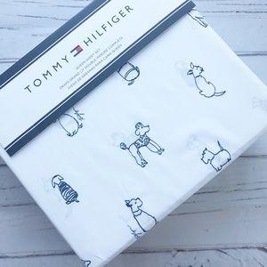 Tommy Hilfiger dogs Queen Sheet Set